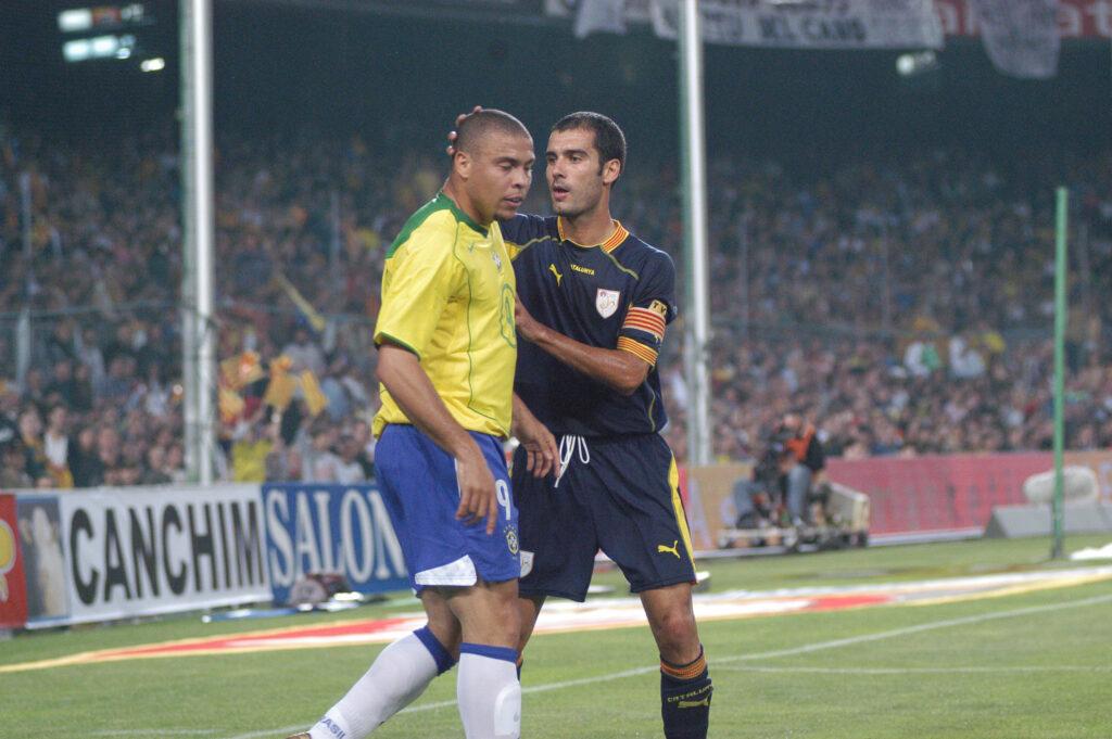 Ronaldo y Guardiola en el Camp Nou Brasil vs Catalunya