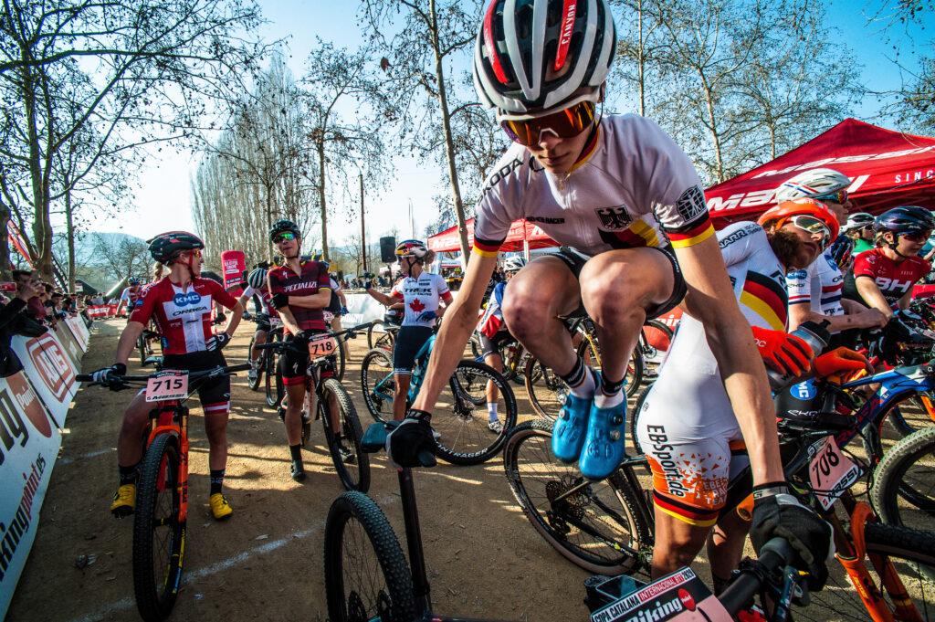 salida del la copa catalana biking point femenino raider selección alemana